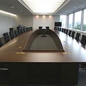 H社本社ビル 役員会議室